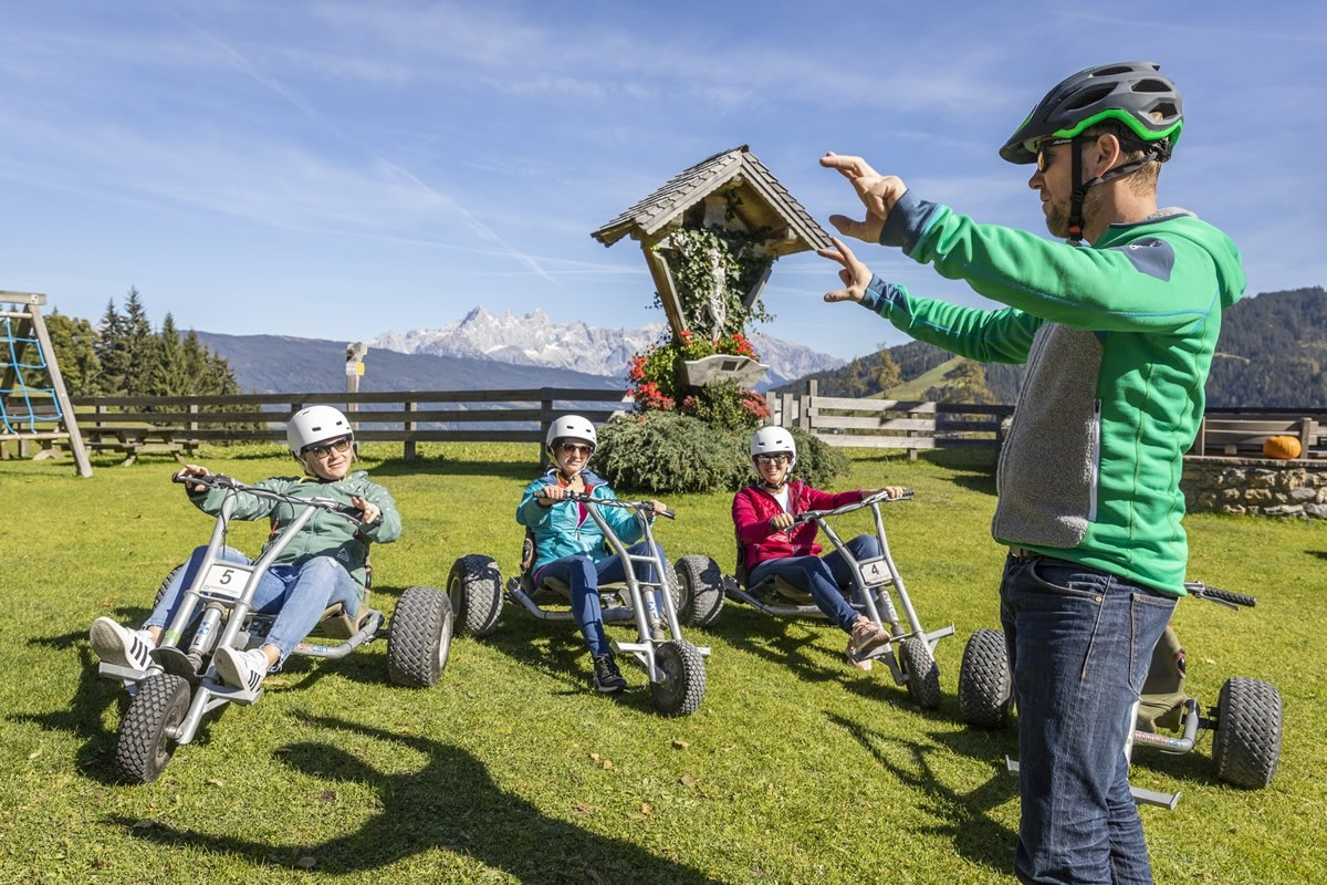 Introduction to riding a mountain cart in Flachau